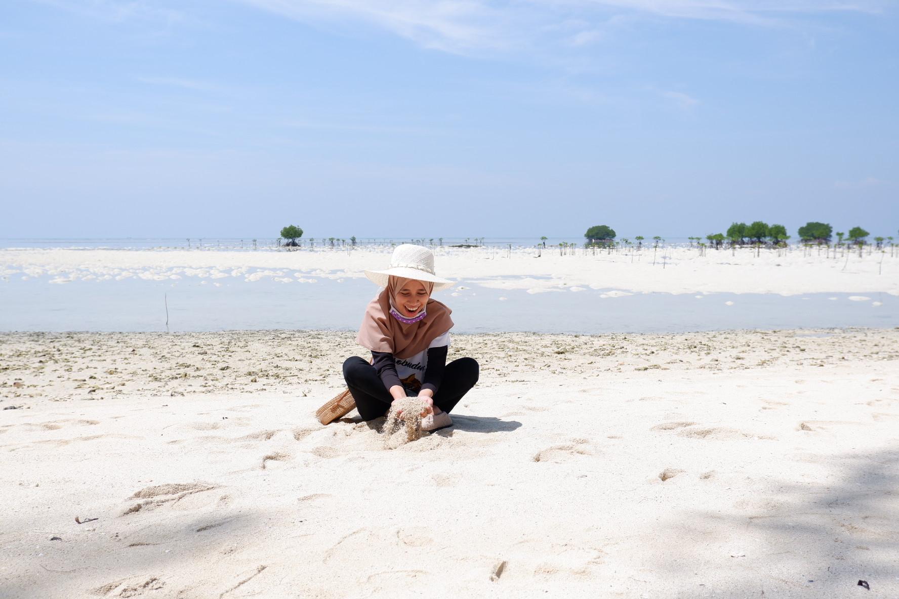 Traveling ke Pari Island